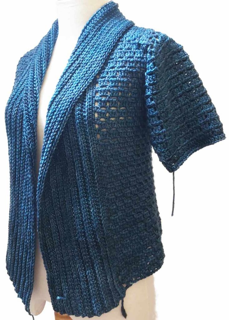 Work in progress - Short sleeve blue sweater made from Indonesian yarn